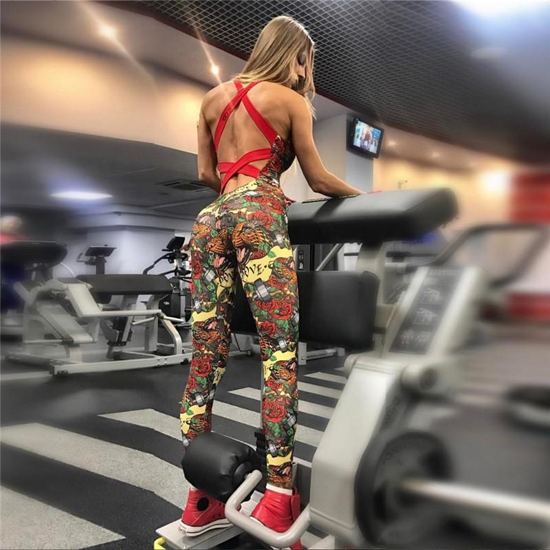 Женский комбинезон с чашками для зала, спорта, йоги, фитнеса, топ и лосины (розы) С ЧАШКАМИ