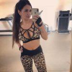 Женский костюм для зала, спорта, йоги, фитнеса, топ и лосины (леопард коричневый) С ЧАШКАМИ